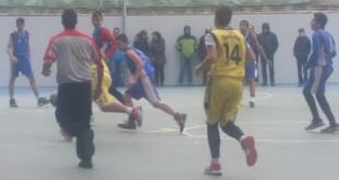 San Viator jugando